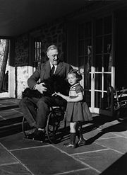 roosevelt_in_a_wheelchair
