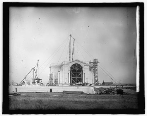 The inner structure of the memorial rises (c1916)