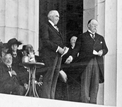 Robert Todd Lincoln At Lincoln Memorial The Lincoln Memorial: ...