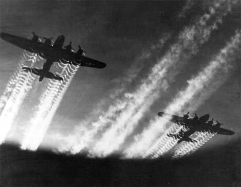 B-17s in flight. (Courtesy of the USAFR)