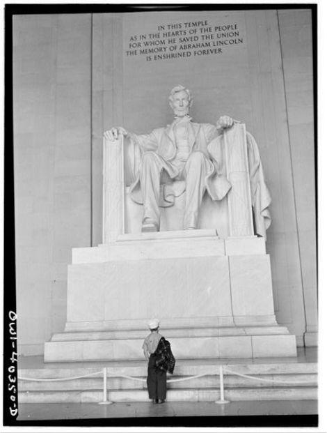 The completed statue of Lincoln (c1943) with the Cotissoz inscription above. The inscription was carved by Ernest C. Bairstow.
