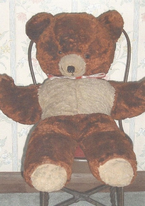 The teddy bear George sent to his newborn daughter Gay while he was imprisoned at Stalag Luft 1